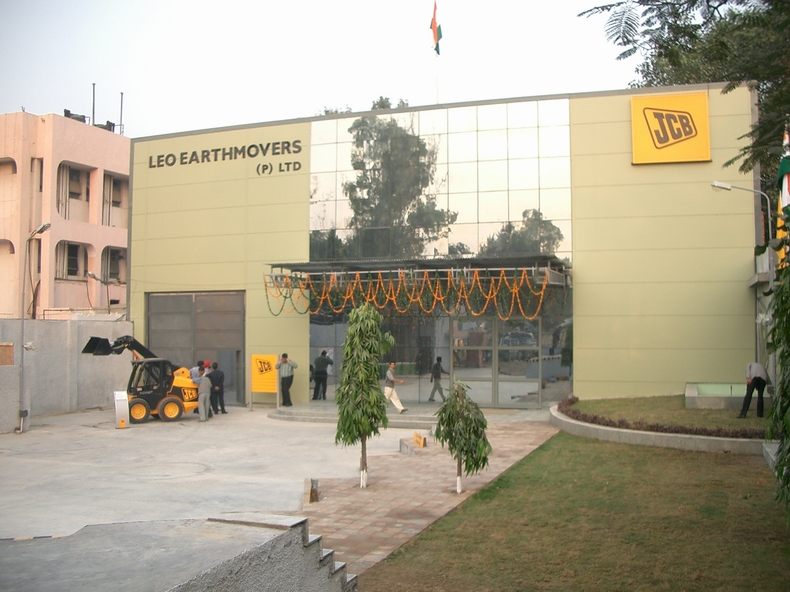 LEO EARTHMOVERS PVT  LTD  only authorized dealer for JCB India Ltd